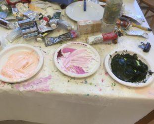 Maaria Märkälän työhuoneen pöytä